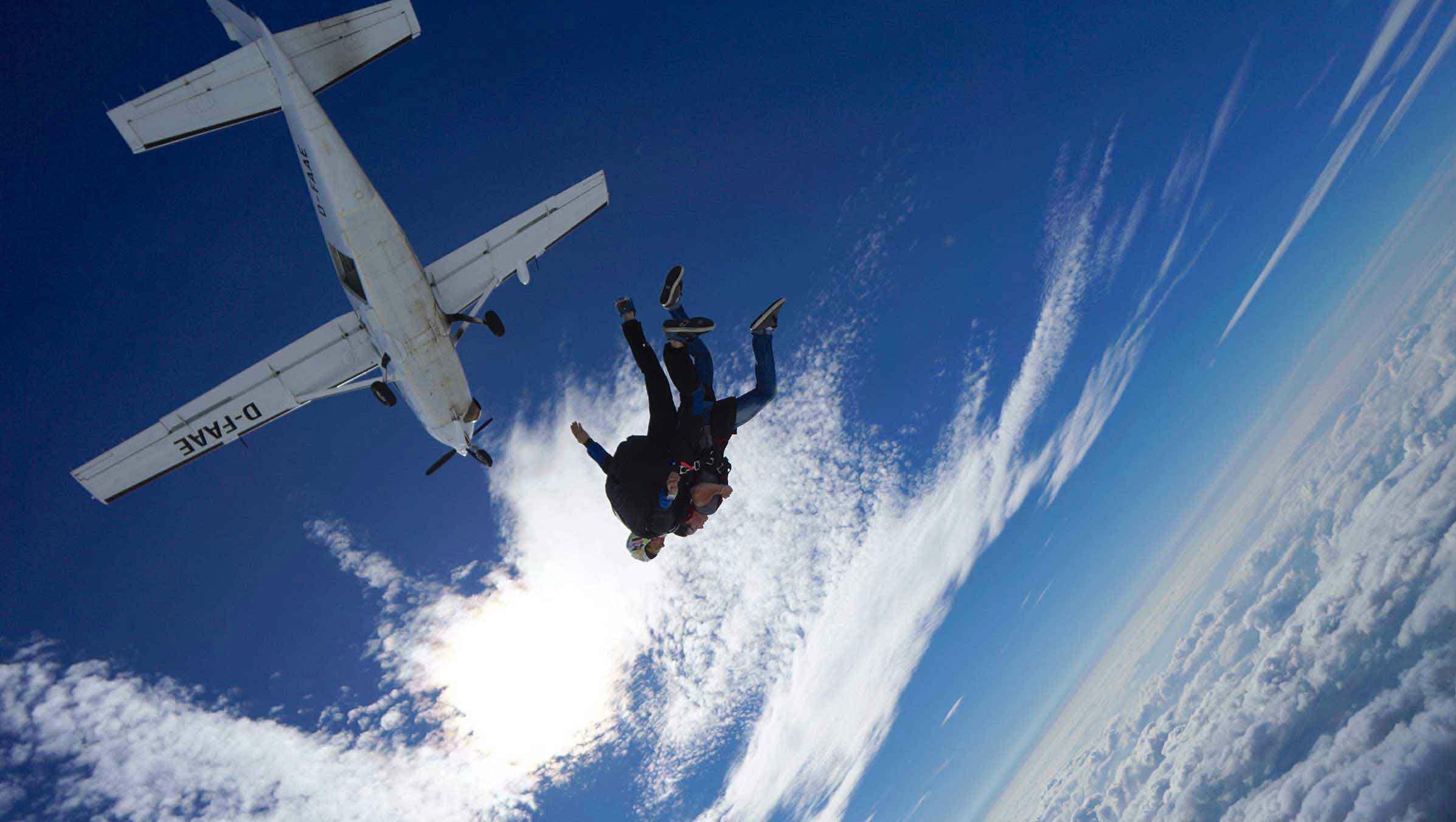 Tandem Skydive from 4000m - Péronne - North of Paris by Saut En Parachute  Paris