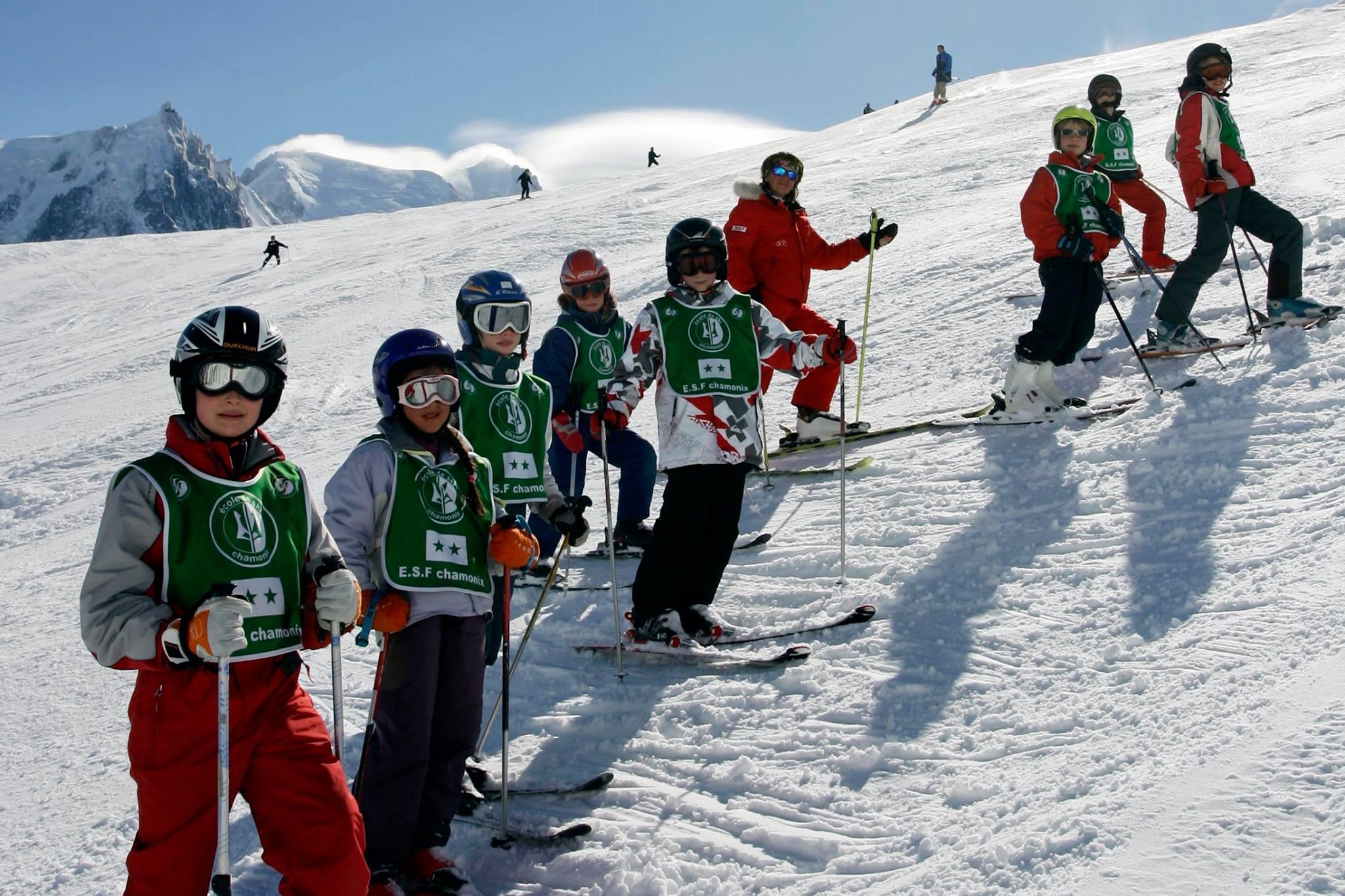 kids-ski-lessons-ski-star-8-12-years-holiday-esf-chamonix-hero