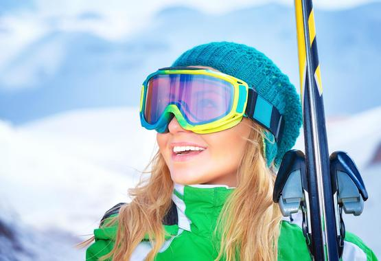 Adult Ski Lessons ?Fit for the Pistes? for Beginners