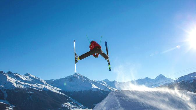 Teens & Adult Ski Lessons for Advanced Skiers