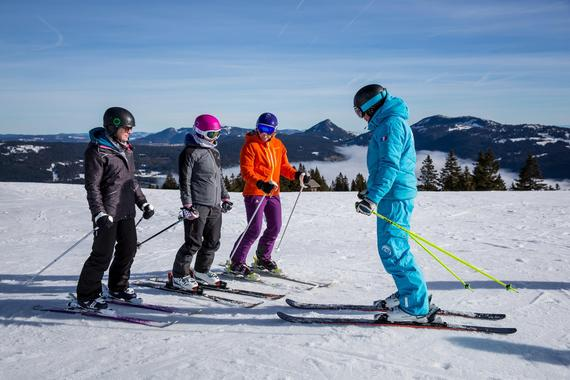 Teen & Adult Ski Lessons for Beginners - Holidays