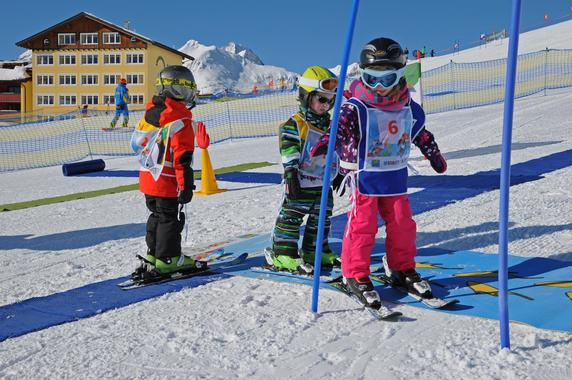 Private Ski Lessons for Bambinis (from 3 y.)