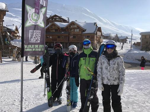 Off-Piste Skiing Lessons for Kids (12-18 years) - Holiday
