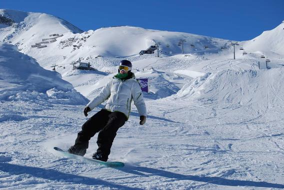 Snowboard Lessons for Adults - Beginners