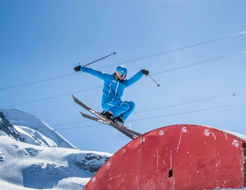 Freestyle Skiing Lessons for Adults for Advanced Skiers