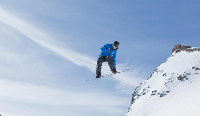 Private Freestyle Snowboarding Lessons for Adults