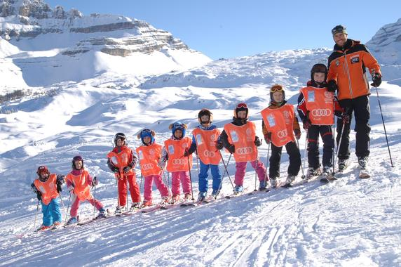 Kids Ski Lessons (4-12 y.) for First Timers - 3h