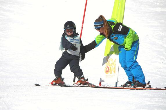 Kids Ski Lessons (5-12 y.) Full Day - All Levels