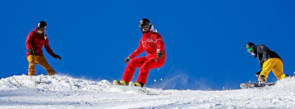 Snowboarding Lessons (from 8 y.) for All Levels - February