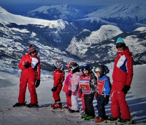 Kids Ski Lessons (6-12 y.) for Beginners - February