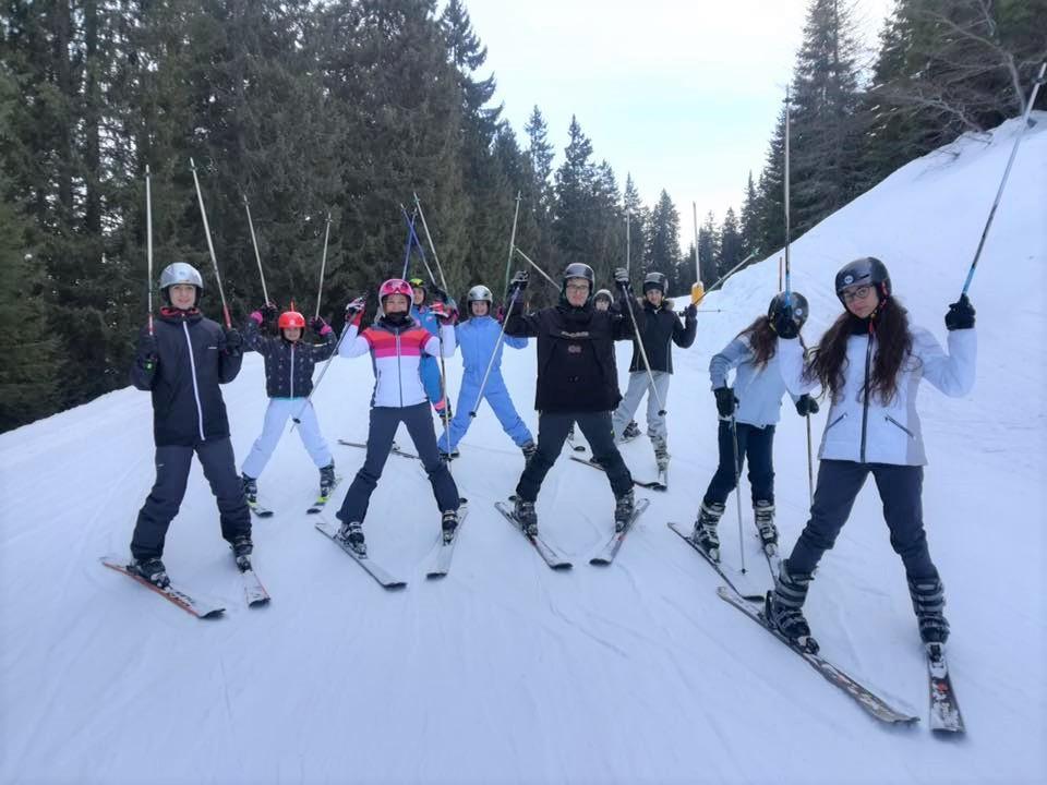 Kids Ski Lessons (6-13 y.) - Full Day - Advanced