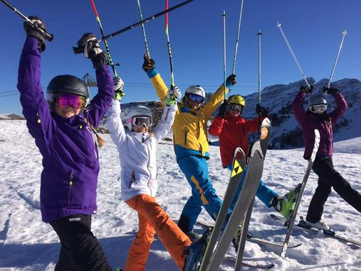 Kids Ski Lessons (3-16 years) - All Levels