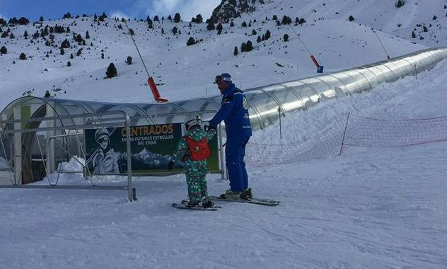 Kids Ski Lessons (from 4 y.) for All Levels - High Season