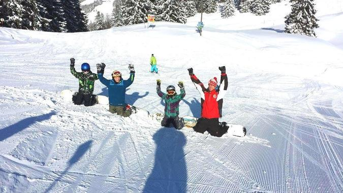 Snowboard Lessons for Kids (5-14 years) - Beginner