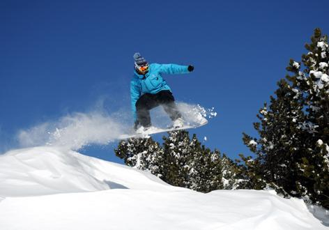 Private Snowboarding Lessons for All Levels - Holidays