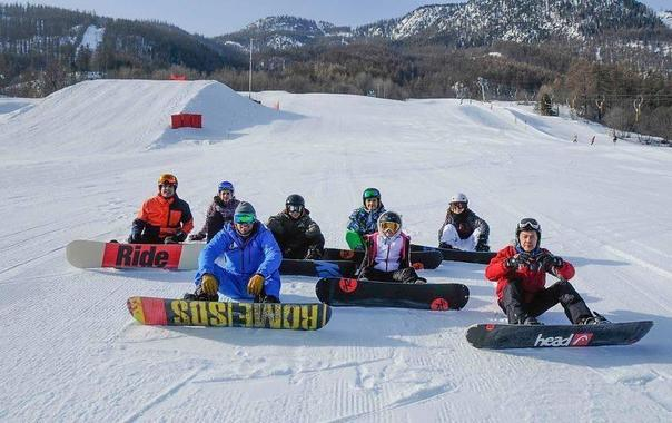 Snowboarding Lessons for Teens & Adults of All Levels