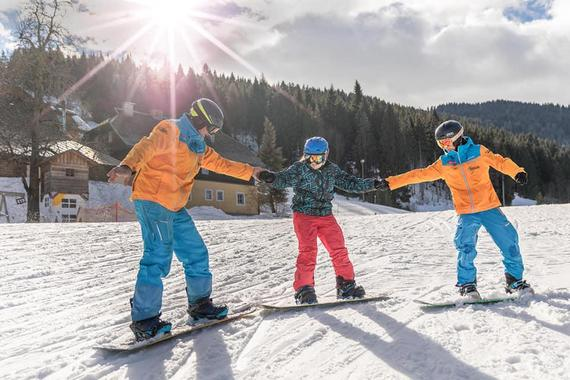 Snowboarding Lessons (from 8 y.) for Beginners