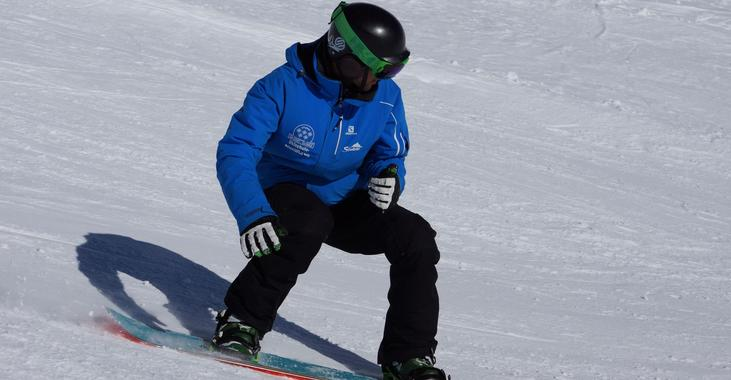 Snowboarding Lessons for Teens (11-16 years)
