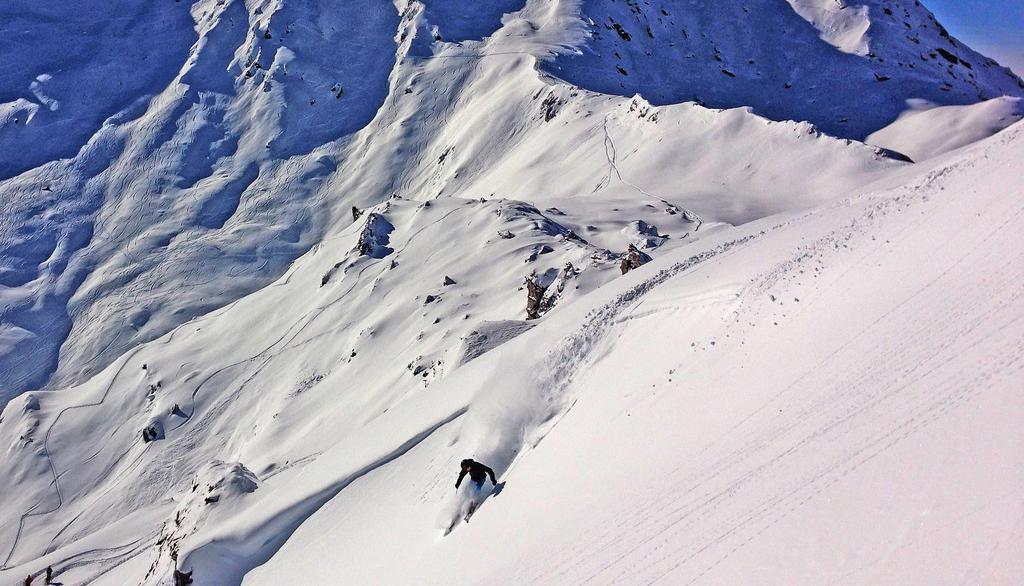 Freeride skiing with Thomas