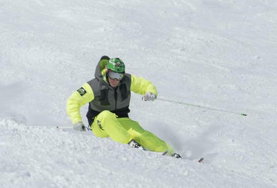 Skiing private tuition with Simon