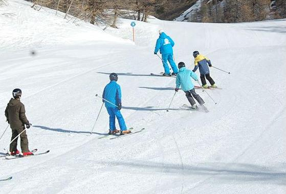 Ski Lessons for Kids (6-17 years) - Morning - All Levels