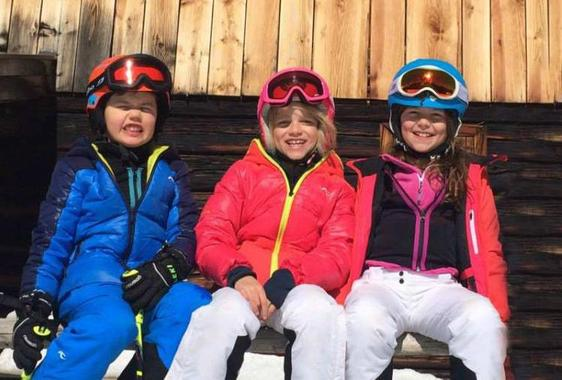 Alpine skiing technique lessons for kids of all ages