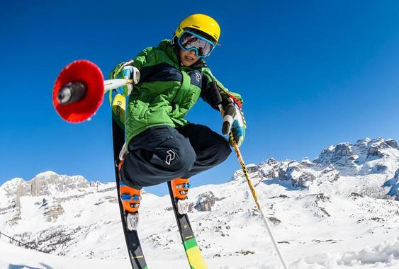 Skiing - A snow expert's private tuition for kids
