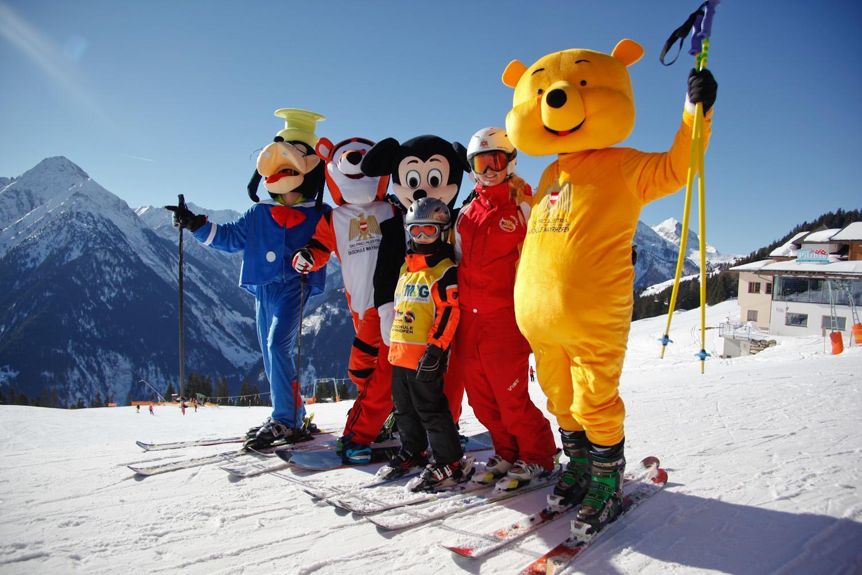 b82cd7b924 Ski schools Mayrhofen  Compare   book ski lessons online